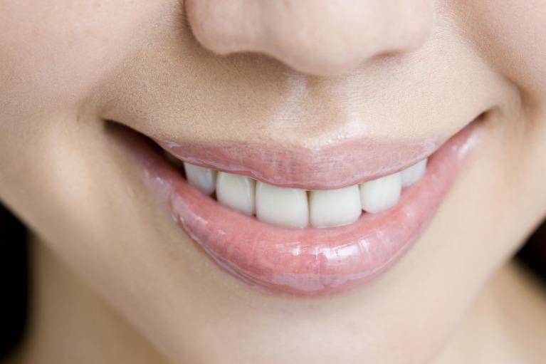 白い歯で、心からの笑顔を